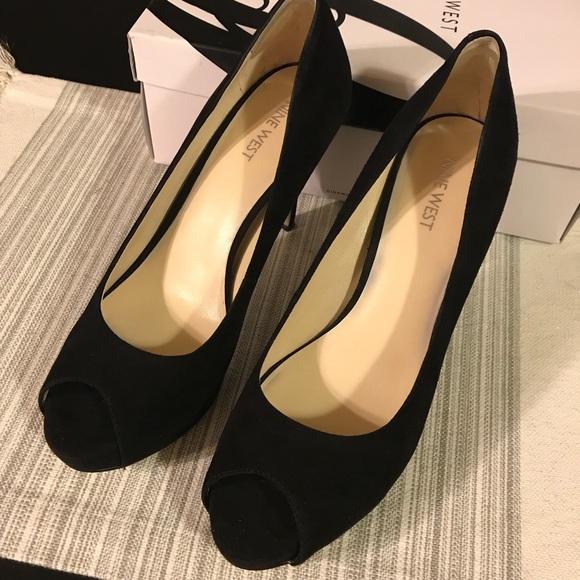 Nine West Black Peep Toe High Heels Size 9.5